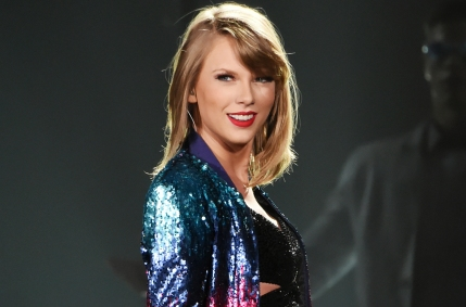 taylor-swift-live-smile-2015-billboard-1548